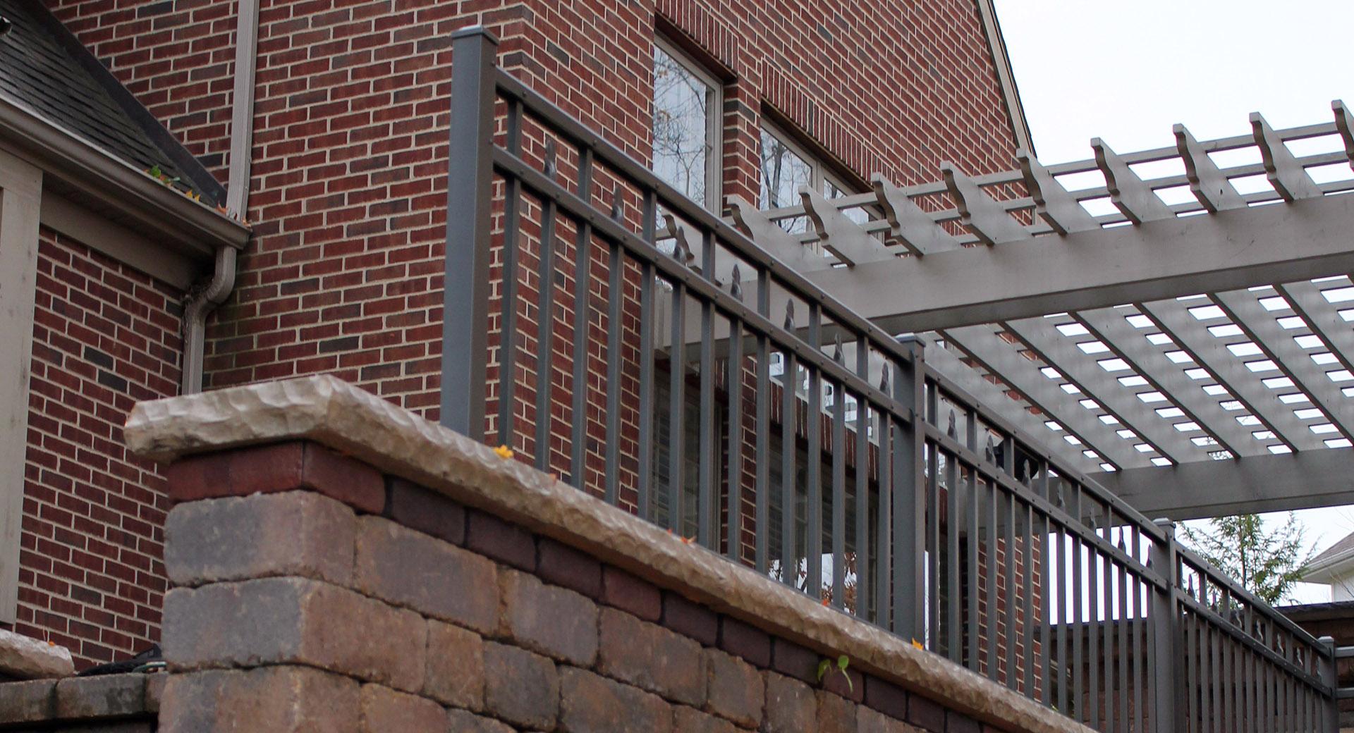 Alumi-Guard® Flat Top Residential Fences